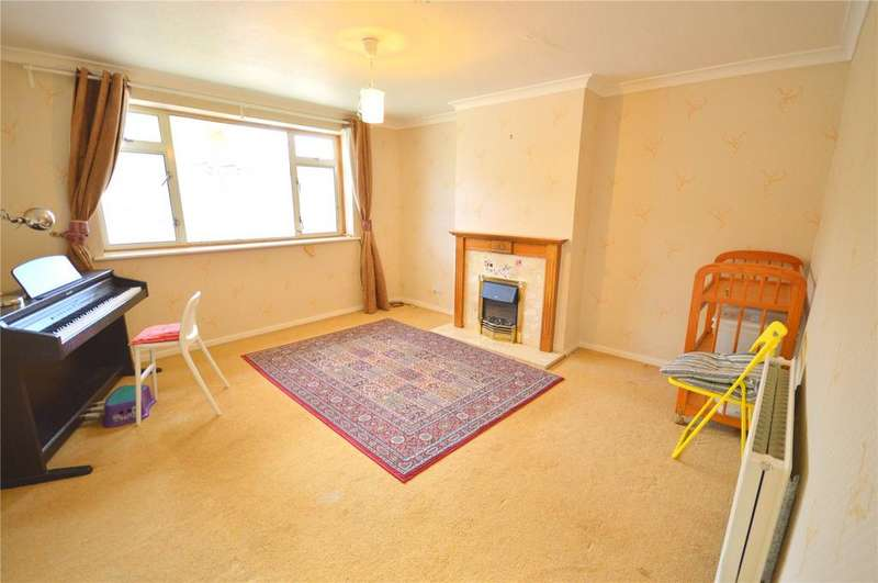 2 Bedrooms Maisonette Flat for sale in Claerwen Drive, Lakeside, Cardiff, CF23