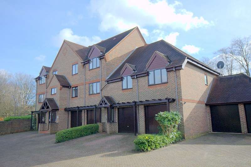 2 Bedrooms House for sale in Guildford