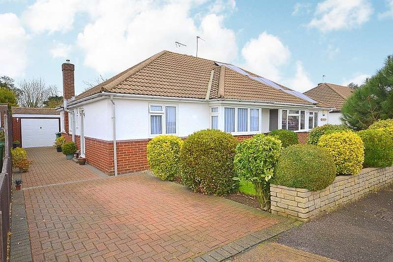 2 Bedrooms Semi Detached Bungalow for sale in Charlton Village
