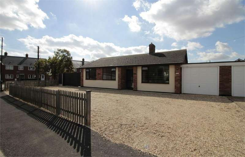 3 Bedrooms Detached Bungalow for sale in Grove Road, Tiptree, COLCHESTER, Essex