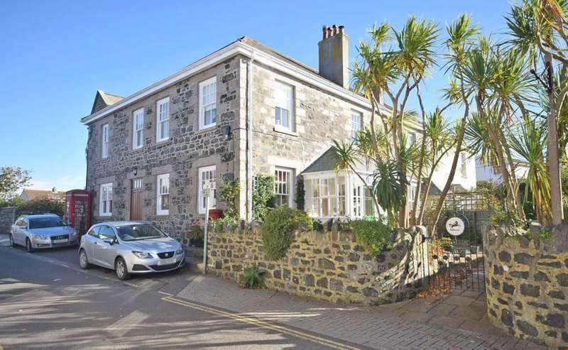 4 Bedrooms House for sale in Churchtown, Mullion, Helston, Cornwall, TR12