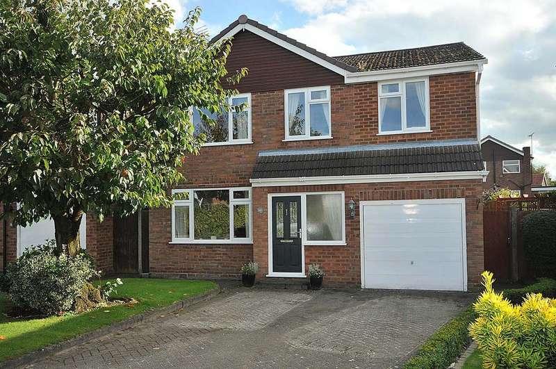 4 Bedrooms Detached House for sale in Sandown Crescent, Cuddington