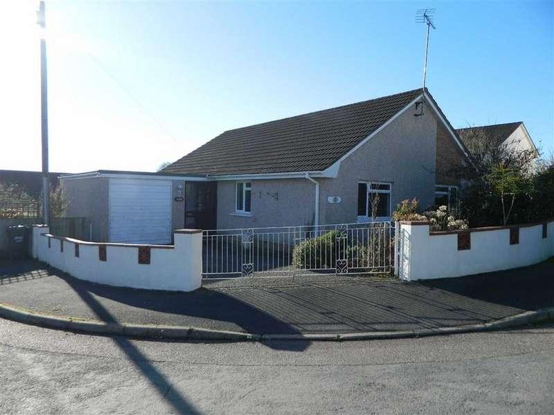 3 Bedrooms Bungalow for sale in Deans Park, South Molton, Devon, EX36