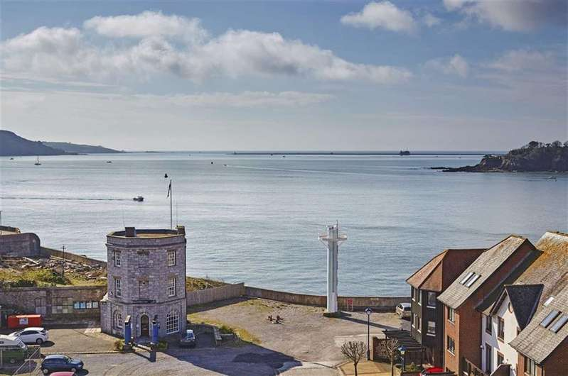 3 Bedrooms Apartment Flat for sale in Custom House Lane, Plymouth, Devon, PL1