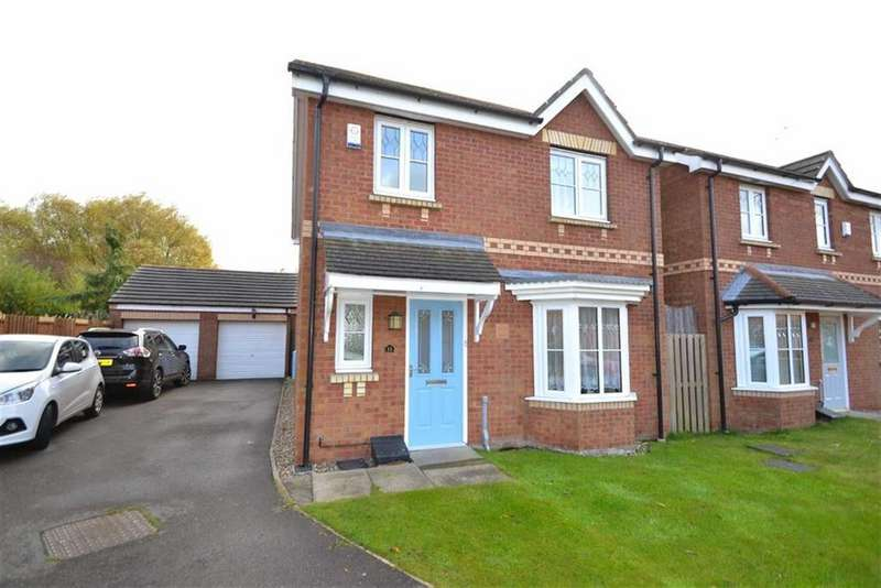 3 Bedrooms Detached House for sale in Braid Hills Drive, Castle Grange, Hull, HU7