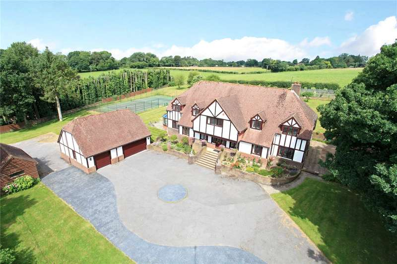 6 Bedrooms Detached House for sale in Hawthorn Lane, Four Marks, Alton, Hampshire, GU34