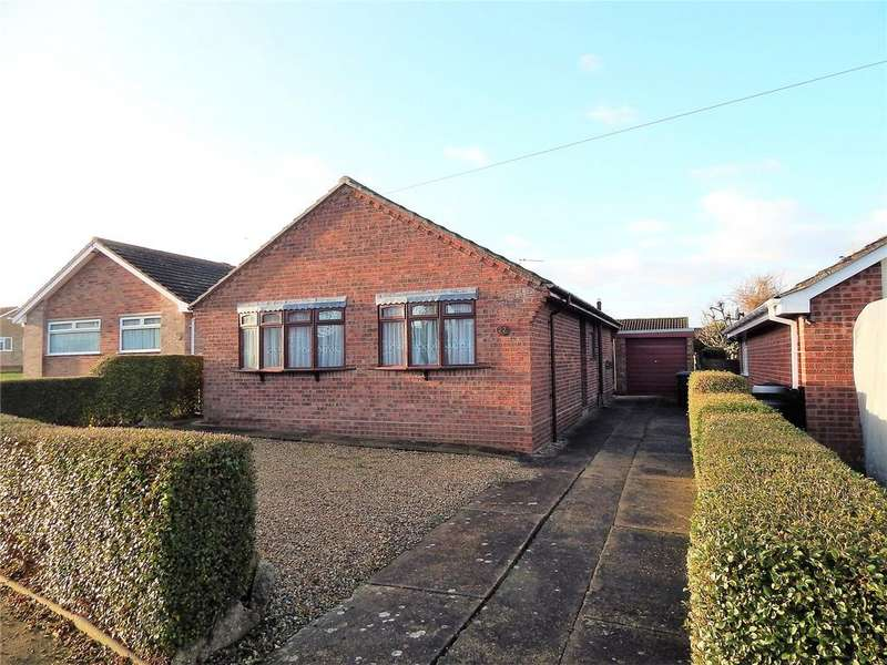 2 Bedrooms Detached Bungalow for sale in Rowan Way, Lowestoft, Suffolk