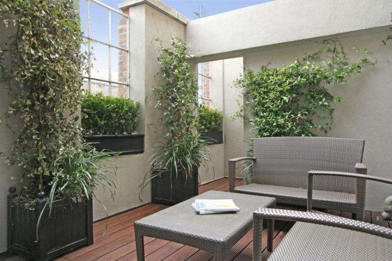 2 Bedrooms Flat for sale in Macklin Street, Covent Garden, London