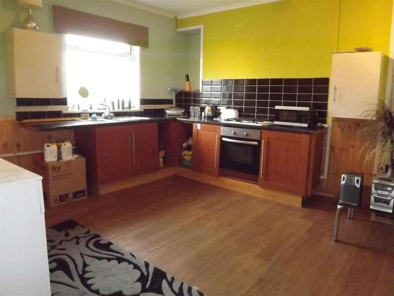 2 Bedrooms Terraced House for sale in Ceidrim Road, Glanamman