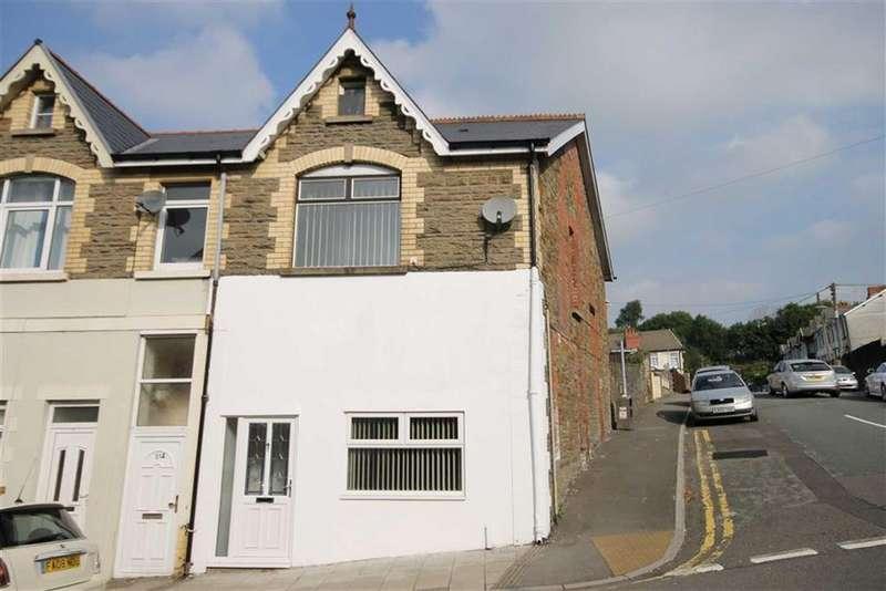 4 Bedrooms End Of Terrace House for sale in Bedwlwyn Road, Ystrad Mynach, Hengoed, CF82