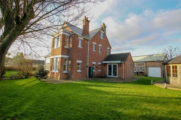 5 Bedrooms Detached House for sale in Avon Lodge, Heacham