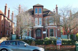 2 Bedrooms Flat for sale in Preston Park Avenue, Brighton, East Sussex