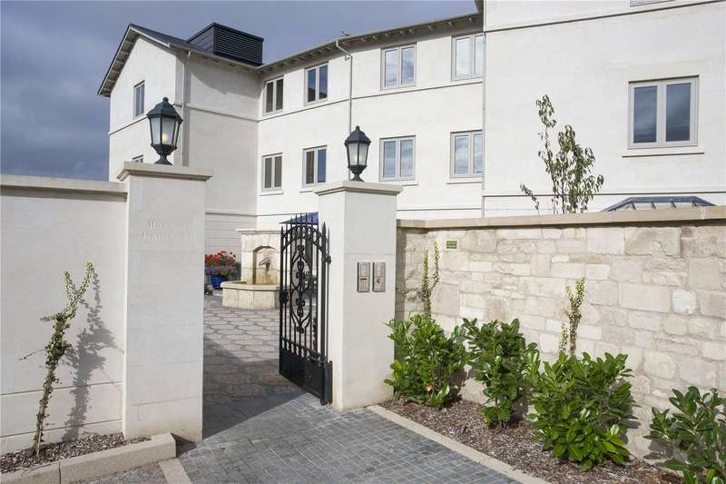 3 Bedrooms Flat for sale in Brunel Crescent, The Wharf, Box, Wiltshire, SN13
