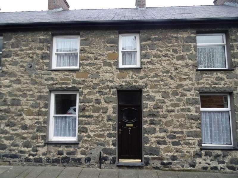 2 Bedrooms Cottage House for sale in 31 Erasmus Street, Penmaenmawr, LL34 6LH