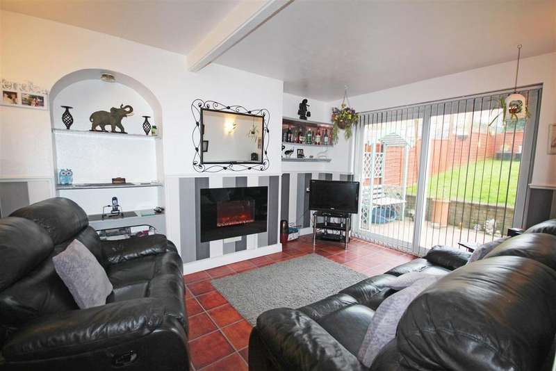 3 Bedrooms Semi Detached House for sale in Clayton Road, Queens Park, Brighton
