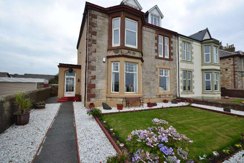 3 Bedrooms Flat for sale in Montgomerie Crescent, Saltcoats, North Ayrshire, KA21 5BT