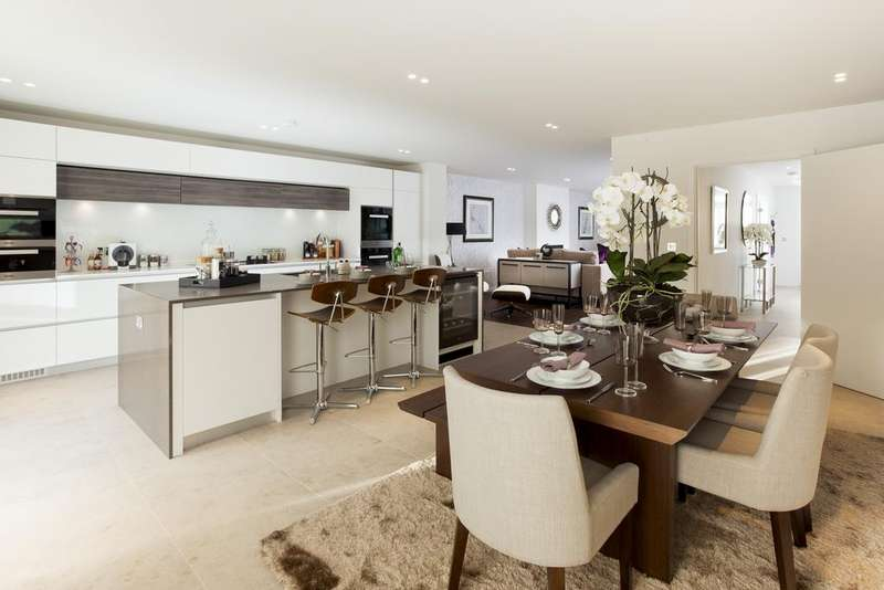 5 Bedrooms Semi Detached House for sale in Chatham Road, SW11