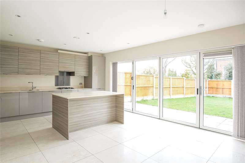 3 Bedrooms Semi Detached House for sale in Palmadium Close, Palmers Green, N13