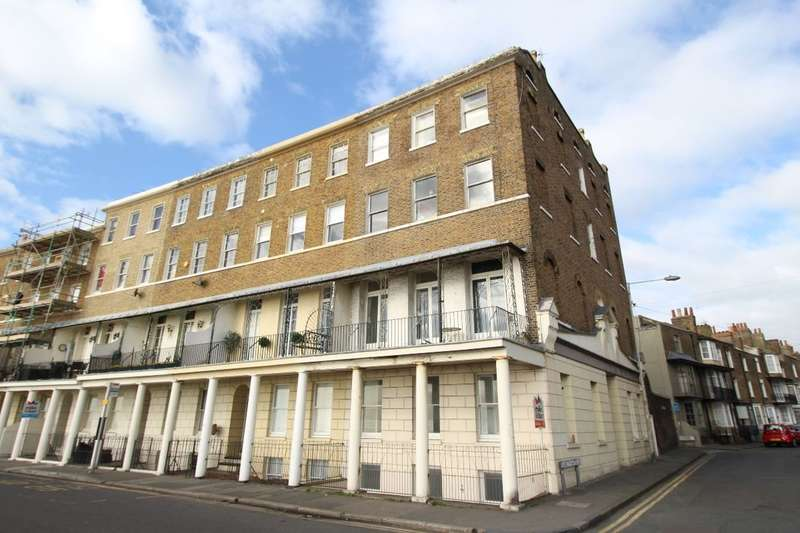 2 Bedrooms Flat for sale in Wellington Crescent, Ramsgate, CT11