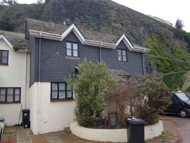 2 Bedrooms Terraced House for sale in Mount Pleasant Mews, Brixham, Devon