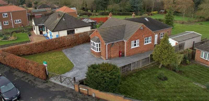 3 Bedrooms Detached Bungalow for sale in Chapel Lane, Broughton, North Lincolnshire