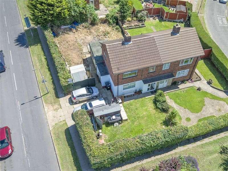 3 Bedrooms Semi Detached House for sale in Greydells Road, Stevenage, Hertfordshire