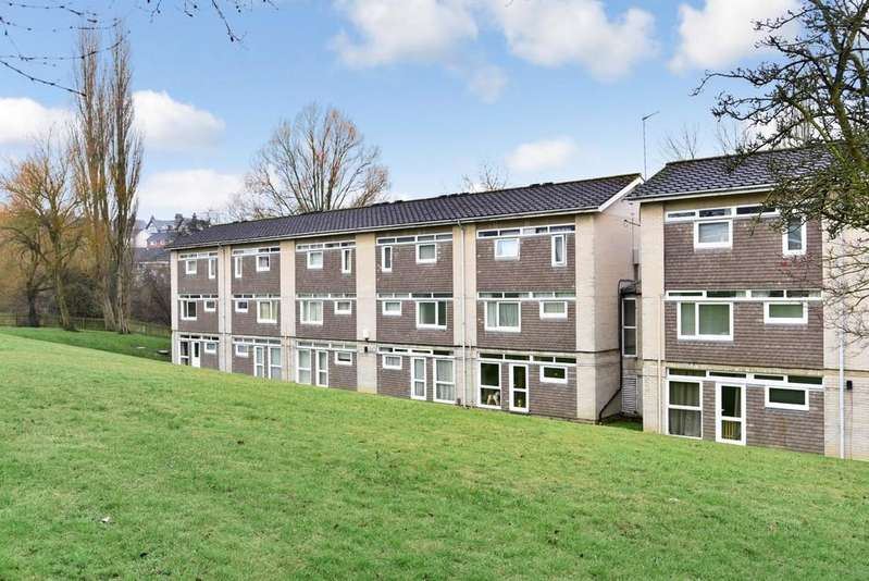 2 Bedrooms Maisonette Flat for sale in Hampsthwaite Road, Harrogate