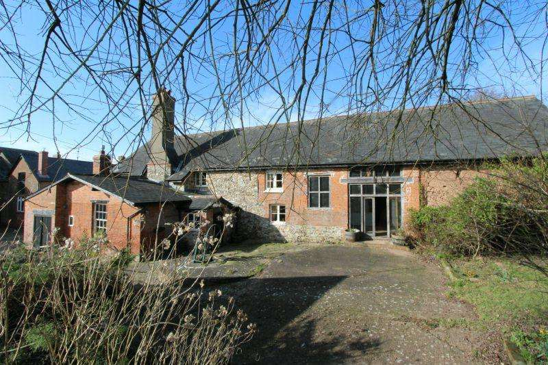 4 Bedrooms Detached House for sale in ALFINGTON