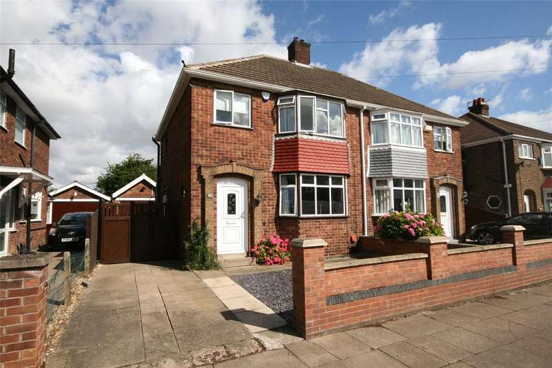 3 Bedrooms Semi Detached House for sale in Gloucester Avenue, Grimsby, DN34