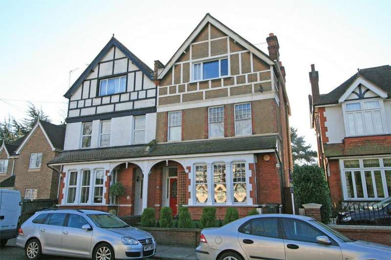 3 Bedrooms Flat for sale in London Lane, Bromley, Kent