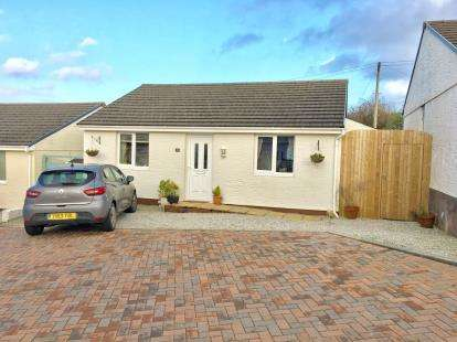2 Bedrooms Bungalow for sale in Higher Carnkie, Redruth, Cornwall