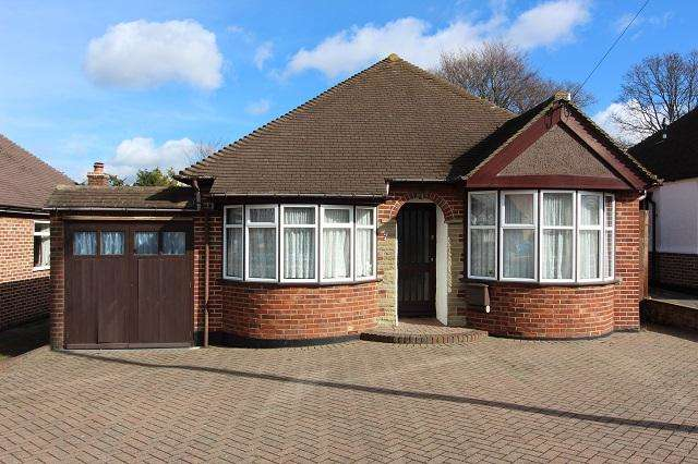 2 Bedrooms Detached Bungalow for sale in Foxfield Road, Orpington, Kent, BR6 8EE