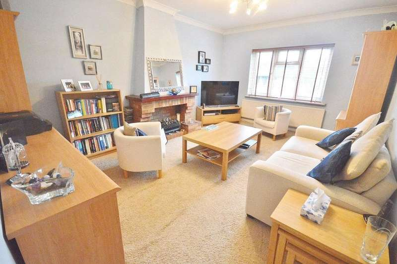 1 Bedroom Apartment Flat for sale in Horseshoe Lane, Garston, Hertfordshire, WD25