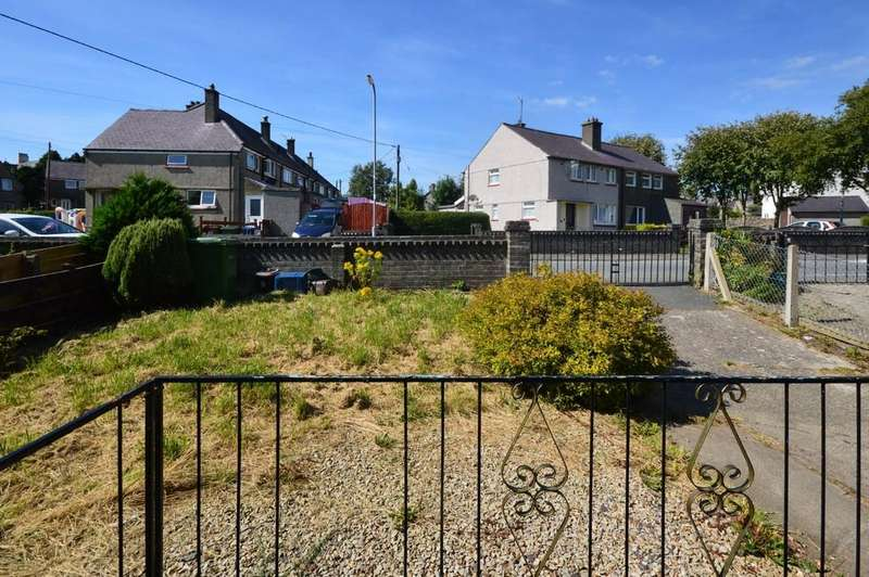 3 Bedrooms Semi Detached House for sale in Trem Y Wyddfa, Penygroes, North Wales