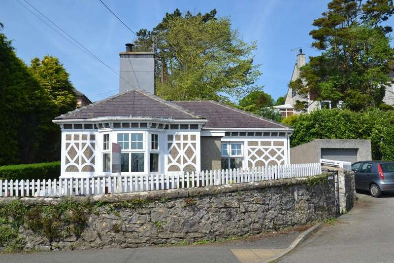 2 Bedrooms Detached Bungalow for sale in Glanhwfa Road, Llangefni, North Wales