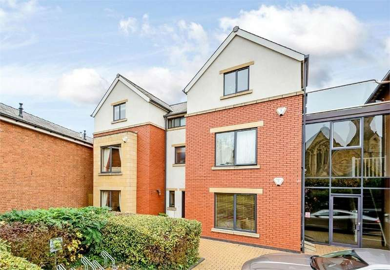5 Bedrooms End Of Terrace House for sale in Victoria Court, Hereford