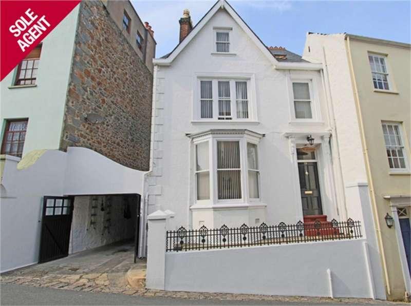 4 Bedrooms Detached House for sale in La Rochelle, 39 Mount Durand, St Peter Port, TRP 182