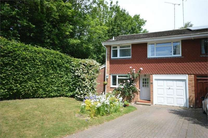3 Bedrooms Semi Detached House for sale in Yew Tree Close, New Barn