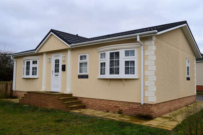 2 Bedrooms Mobile Home for sale in 4 Garden Of England