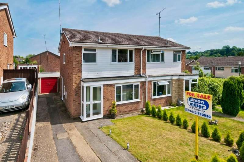 3 Bedrooms Semi Detached House for sale in Ragstone Road, Bearsted