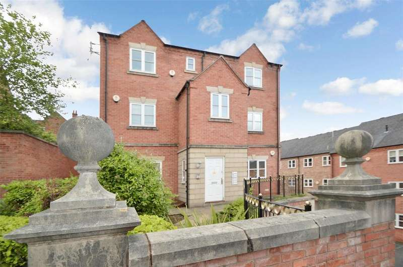 1 Bedroom Flat for sale in St. Giles Row, Lower High Street, Stourbridge, West Midlands