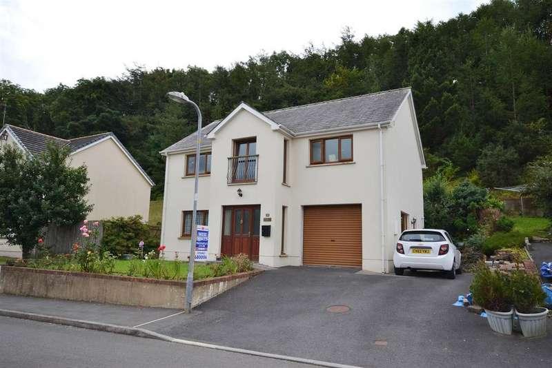 3 Bedrooms Detached House for sale in St. Patricks Hill, Llanreath, Pembroke Dock