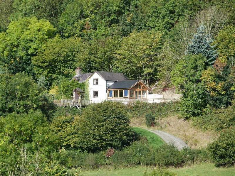 2 Bedrooms Country House Character Property for sale in Bwlch Y Ddar, Llangedwyn, SY10