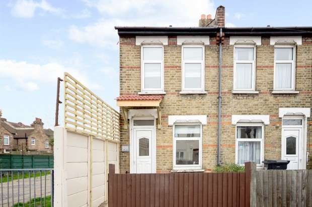 2 Bedrooms Semi Detached House for sale in Dartnell Road, Croydon, CR0