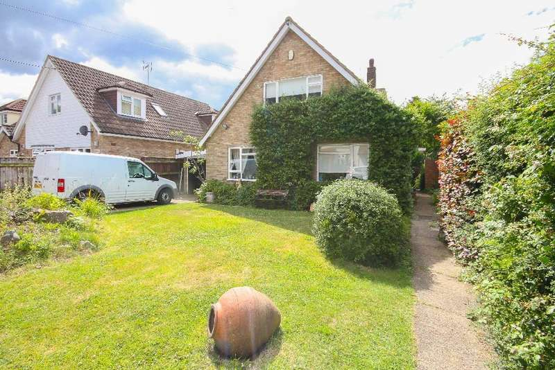 3 Bedrooms Detached Bungalow for sale in Hillcrest Road, Toot Hill