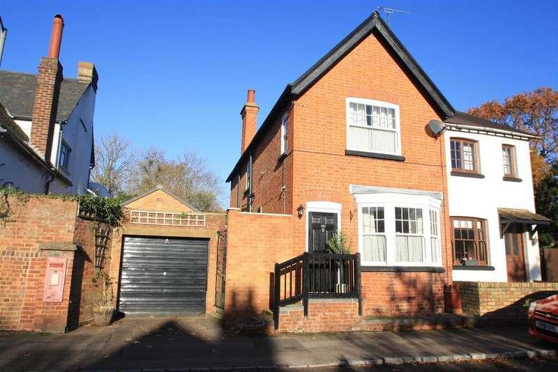 4 Bedrooms Semi Detached House for sale in Simpson, Simpson, Milton Keynes