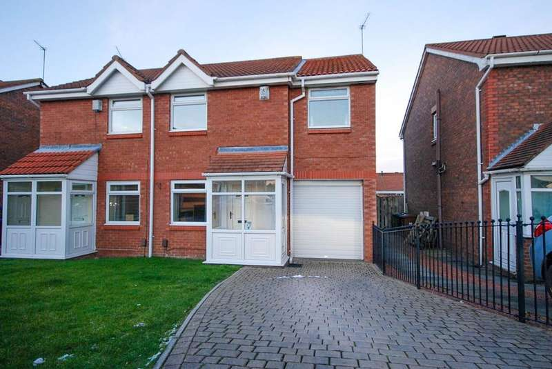 3 Bedrooms Semi Detached House for sale in The Strand, Lakeside Village