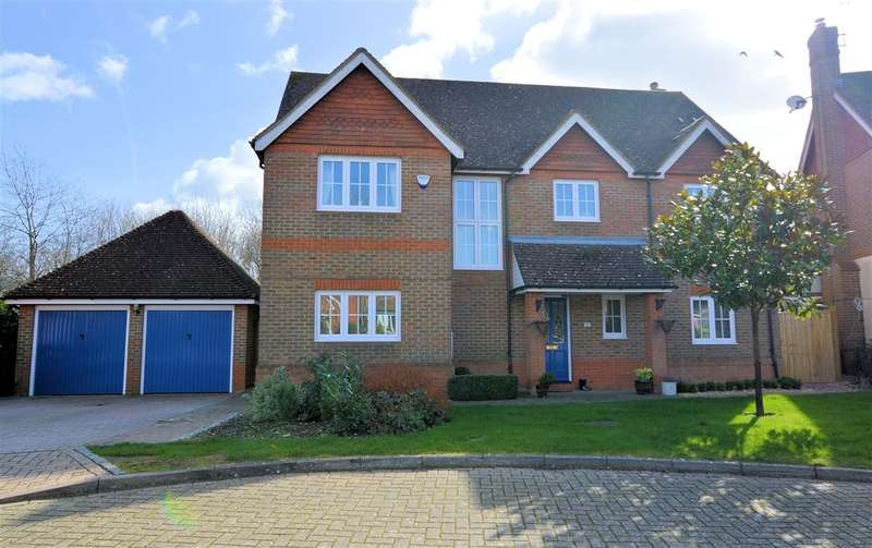 5 Bedrooms Detached House for sale in Hanningtons Way, Burghfield Common, Reading, RG7