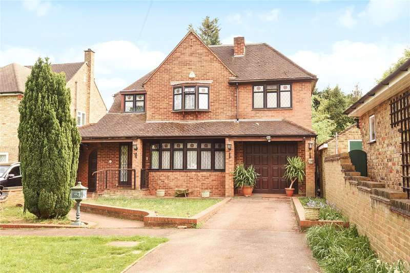 5 Bedrooms Detached House for sale in Woodstock Drive, Ickenham, Middlesex, UB10