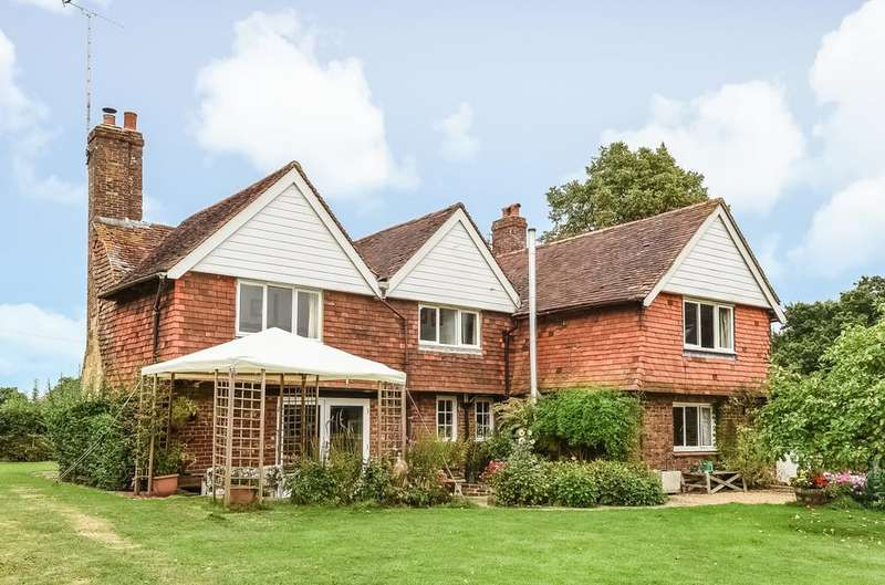 4 Bedrooms Detached House for sale in Henfield Road, Woodmancote, BN5